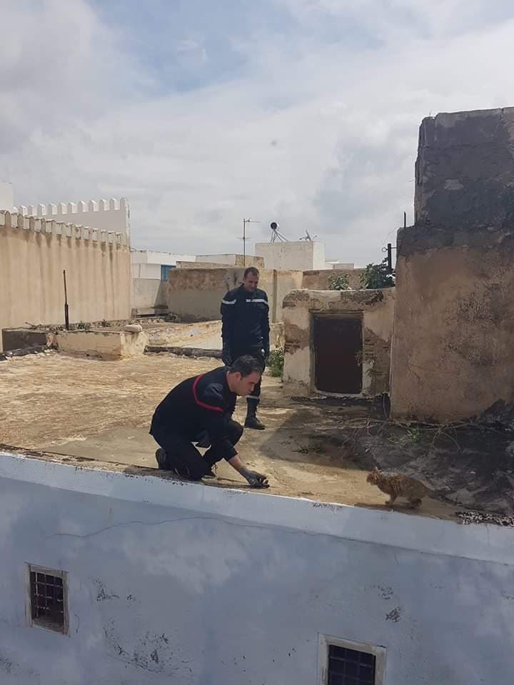 وطني المغرب يحتسي القهوة رفقة مهدي جمعة بضاحية المرسى 2(2).jpg