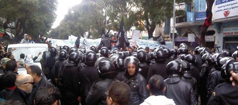Tunis : des salafistes manifestent contre les propos de Moncef Marzouki