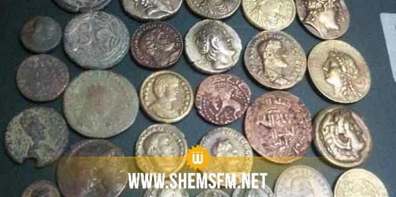 المهدية: إيقاف شخصين وحجز 536 قطعة نقدية أثرية و4 بنادق صيد