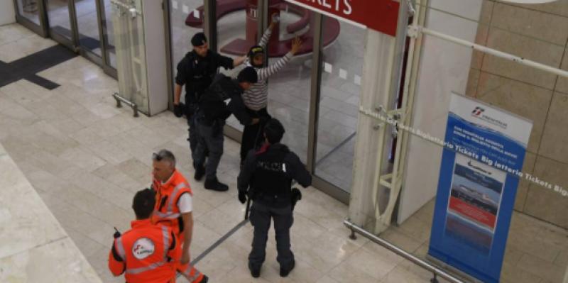 إيطاليا: شاب تونسي ينفذ عملية طعن ضد قوات الأمن بمحطة ميلانو