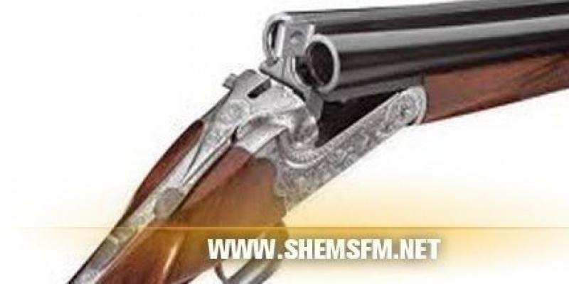 القبض على شخص بحوزته بندقيتي صيد دون رخصة وكمية من الخراطيش بشط رادس