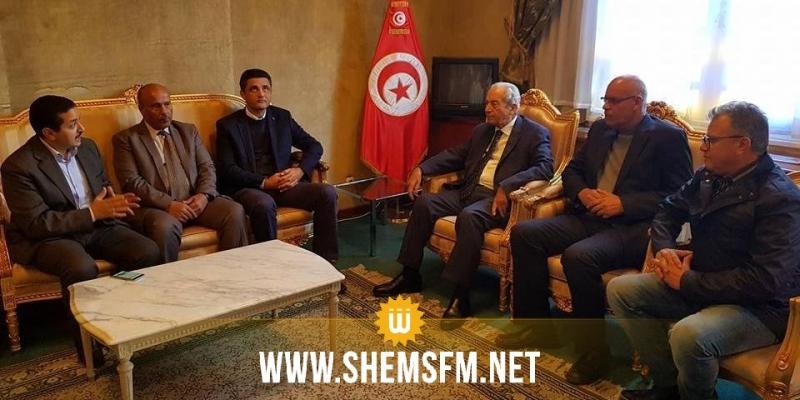 في اجتماع عاجل: محمد الناصر يتابع مع نواب قابس تطور الأوضاع بالجهة