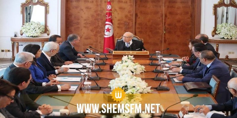 رئيس الجمهورية يؤكد انه لا وجود لوحدة وطنية دون المنظمة الشغيلة ومنظمة الأعراف