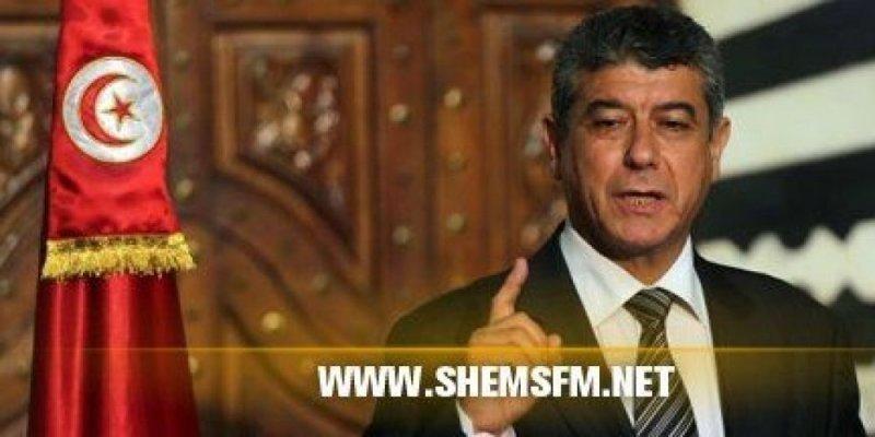 Le ministre de l'Intérieur appelle à élever le niveau d'alerte