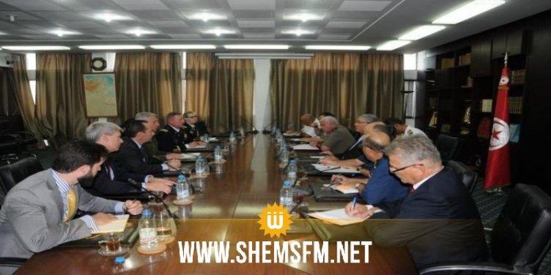 وزير الدفاع يبحث مع آمر 'الأفريكوم' دعم التعاون بين تونس وواشنطن في المجال العسكري
