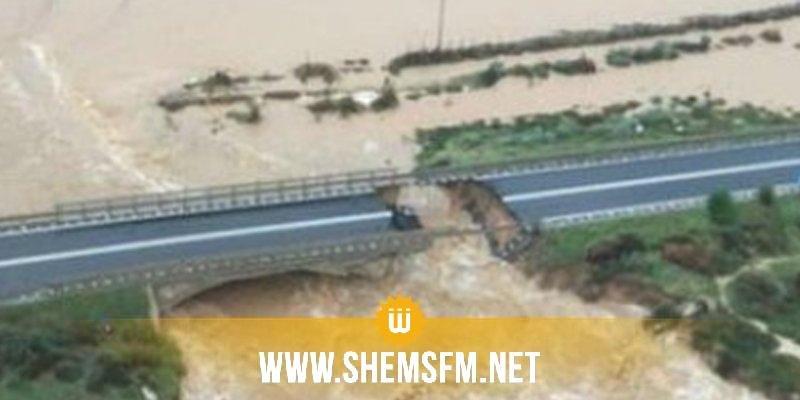Italie: de fortes pluies provoquent l'effondrement partiel d'un pont autoroutier (vidéo)