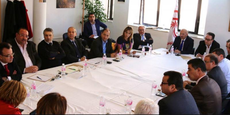 نداء تونس يدعو وزراءه للانسحاب فورا من حكومة الشاهد