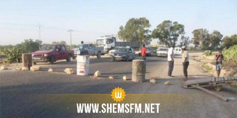 سيدي بوزيد: المحتجون يغلقون الطريق الوطنية عدد 14 الرابطة بين صفاقس وقفصة