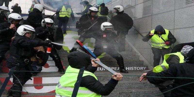 اتساع رقعة احتجاجات 'السترات الصفراء' في أروبا