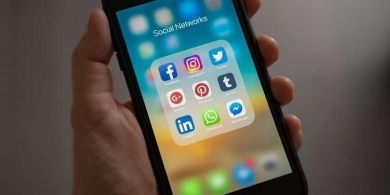 تعطل فايسبوك وواتس آب وإنستغرام في أنحاء العالم