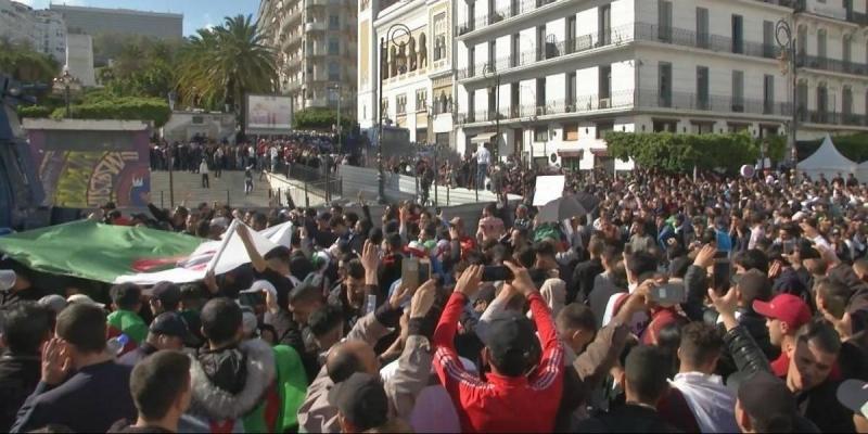 الجزائر: الطلبة في إضراب وطني رفضا لإستمرار النظام في الحكم