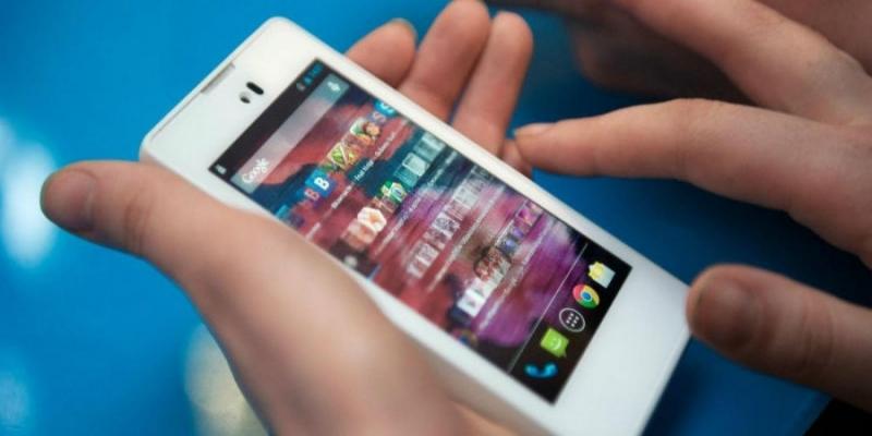 خبير في النظم التربوية: التلاميذ التونسيين يضيعون 8 ملايين ساعة في مواقع التواصل الإجتماعي
