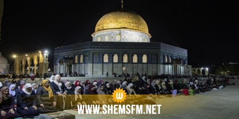 قوات الاحتلال الإسرائيلي تُخلي المسجد الأقصى من المعتكفين بالقوة