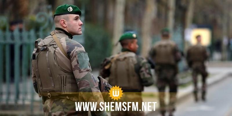 جنود فرنسيون يطلقون النار على رجل هددهم بسكين