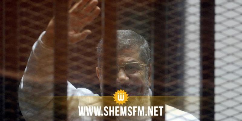 بحضور أفراد من عائلته فقط: محمد مرسي يوارى الثرى