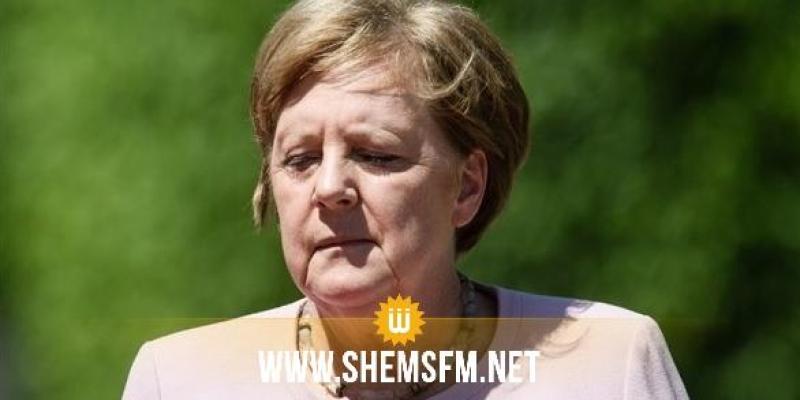 ميركل توضح سبب إرتجافها بشدة أثناء إستقبالها الرئيس الأوكراني