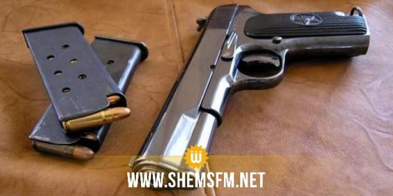 منوبة : ضبط مسدس و 3 طلقات نارية لدى مواطن