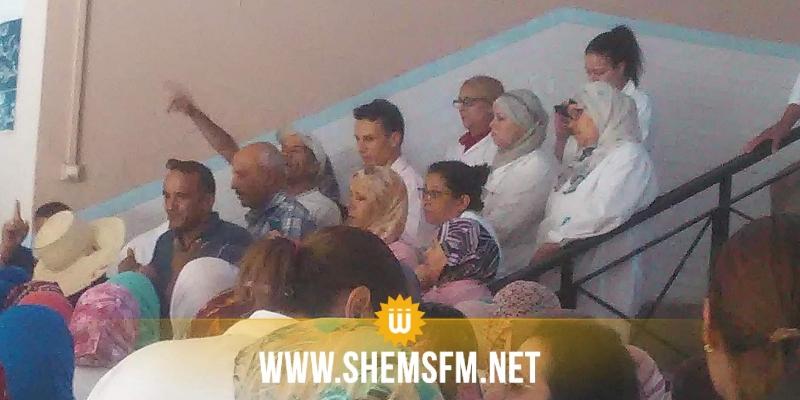 الكاف: وقفة إحتجاجية لأعوان وإطارات المستشفى الجهوي على خلفية إقالة مدير المؤسسة