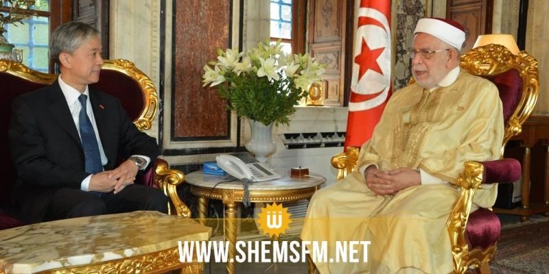 السفير الصيني يدعو إلى مراجعة بعض التشريعات في تونس لتسهيل الإستثمار