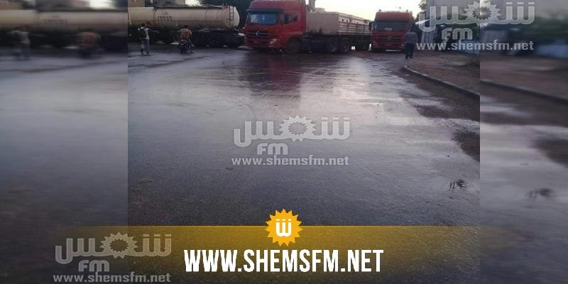 غلق الطريق بين بنزرت ومنزل بورقيبة واستعمال الغاز المسيل للدموع (صور)