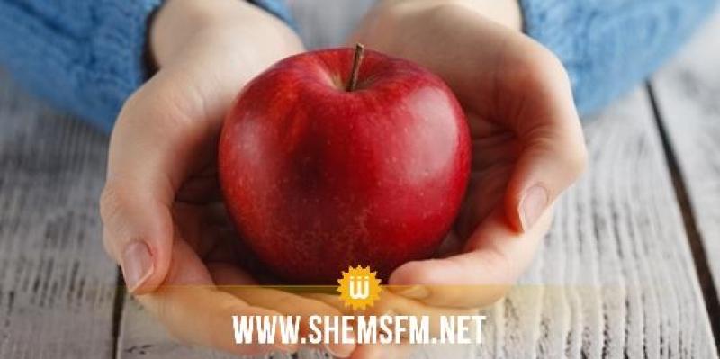صحة: فوائد التفاح الأحمر وقيمه الغذائية