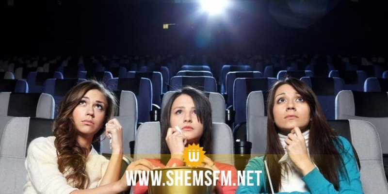 دراسة حديثة: مشاهدة الأفلام تسرع علامات الشيخوخة