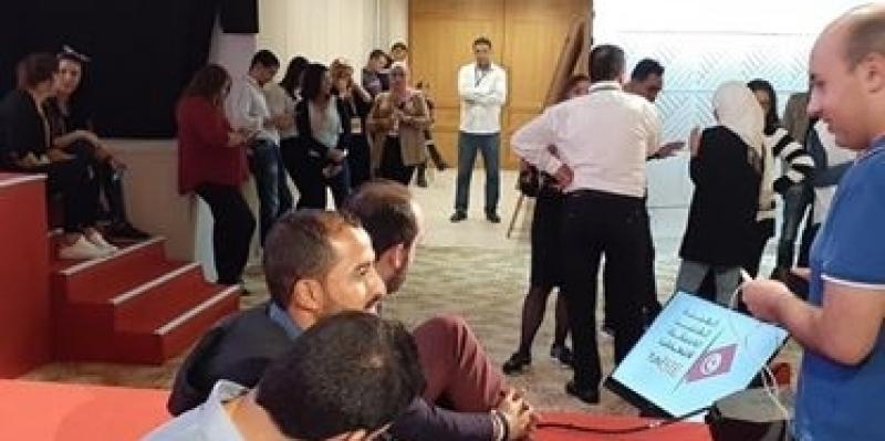 المركز الإعلامي لهيئة الانتخابات: الصحفيون غاضبون لتأخير ندوة الهيئة دون تبريرات