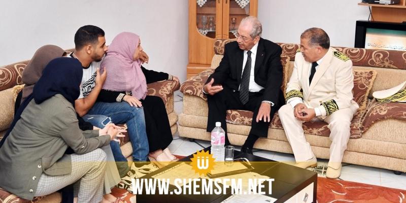 بنزرت: محمد الناصر يعود عائلة الشهيد فوزي الهويملي (صور)