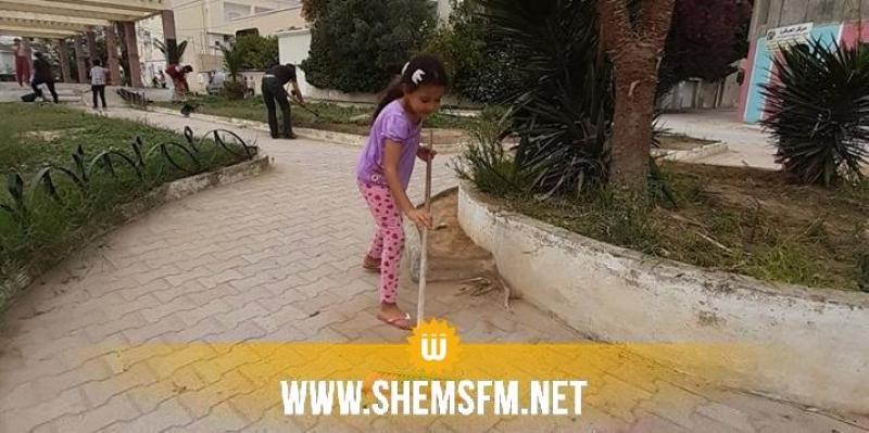 شباب يطلقون حملة نظافة في مختلف أرجاء البلاد