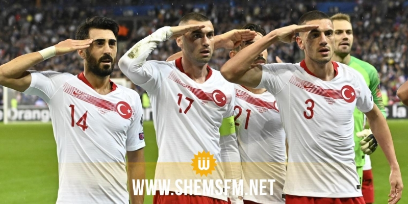 الإتحاد الأوروبي يحقق مع لاعبي المنتخب التركي على خلفية تحية عسكرية