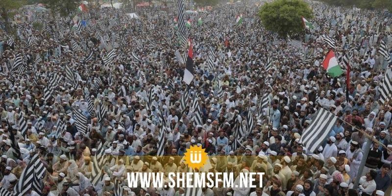 باكستان: الآلاف يعتصمون لمطالبة رئيس الوزراء بالرحيل