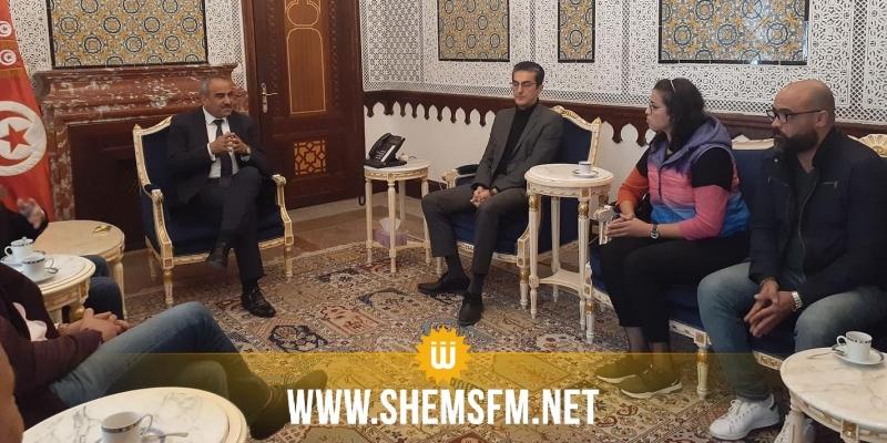 في لقاء وفد نقابي بوزير المالية: 'لاسبيل للتفويت في شمس أف أم دون الالتزام بكراس الشروط'