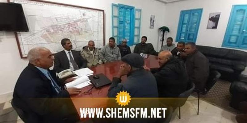 المكناسي: أصحاب سيارات الأجرة 'لواج' يرفضون قرار البلدية بنقل المحطة