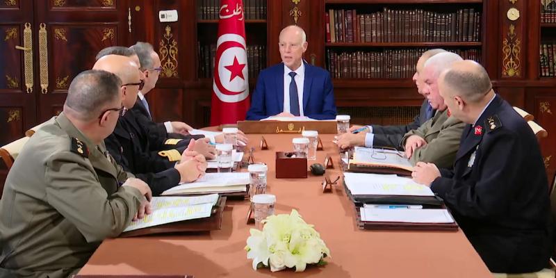 سعيّد في اجتماع المجلس الأعلى للجيوش: 'دفاعكم عن تونس سيُسجله التاريخ بأحرف من ذهب' (فيديو)