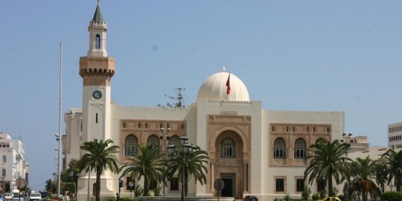 بلدية صفاقس تقاضي استعجاليا اتصالات تونس