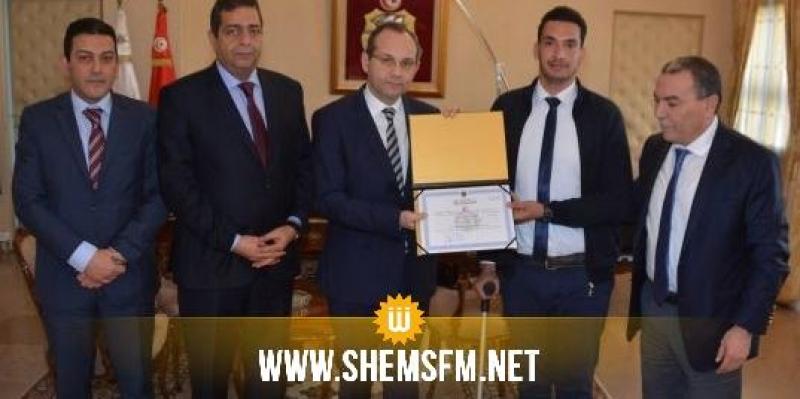 تعرّض لحادث شغل أثناء أدائه لواجبه: وزير الداخلية يستقبل حافظ الأمن أشرف الزارعي