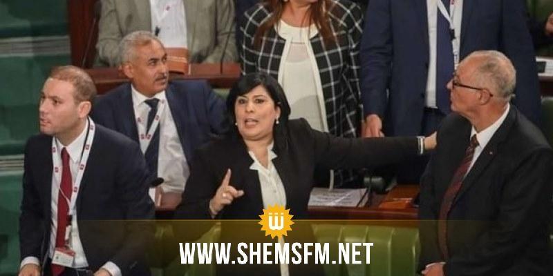 موسي تتمسك بالإعتصام وتعتبر منع الصحفيين من دخول البرلمان 'عزل لكتلتها عن الرأي العام'