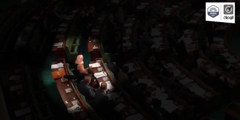 بالفيديو: البوصلة تكشف خرق 4 نواب للطابع الشخصي للتصويت