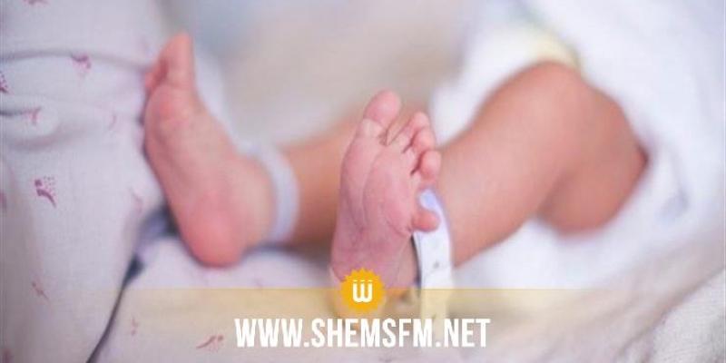 تُوفيت توأمها بسبب'التشليط': الرضيعة الثانية تُفارق الحياة