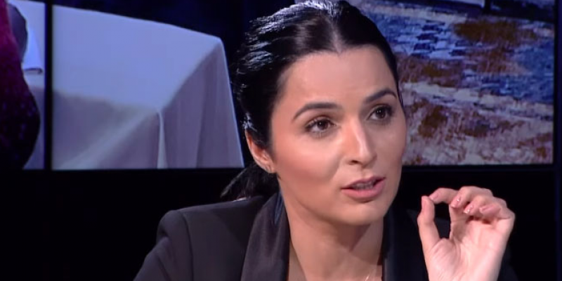 ألفة الحامدي تتوجه برسالة للجملي وسعيد بخصوص إقتراحها كوزيرة للخارجية
