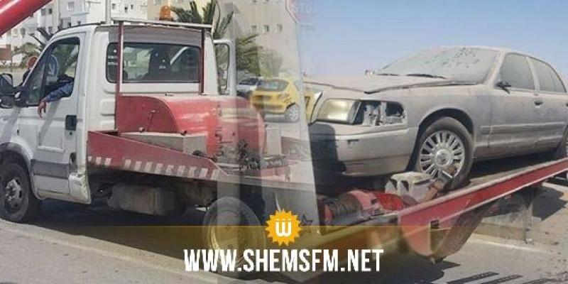 مقرين: إحتجاج أصحاب المقاهي بشارع الحبيب بورقيبة على إعتماد الرفع الآلي للسيارات