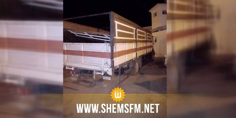 القصرين : سائق شاحنة يُحاول دهس دوريتين أمنيتين