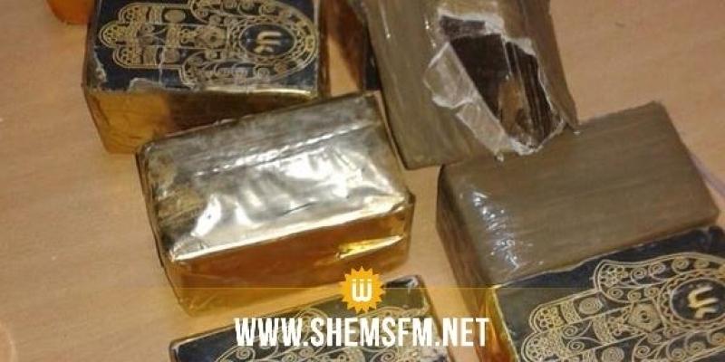 Saisie de 10kg de résines de cannabis dans un louage