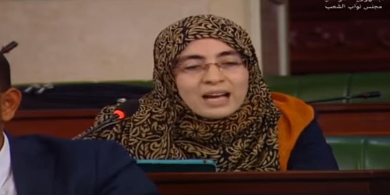 النائبة إيمان بالطيّب تستقيل من حركة أمل وعمل