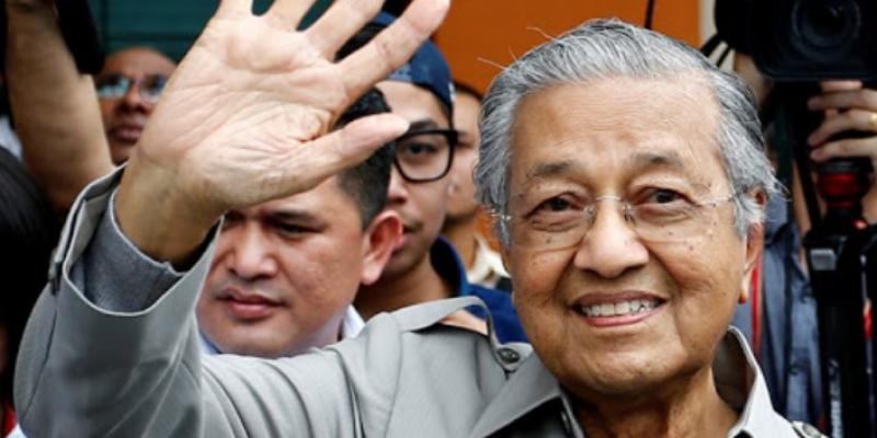 ماليزيا: استقالة مهاتير محمد