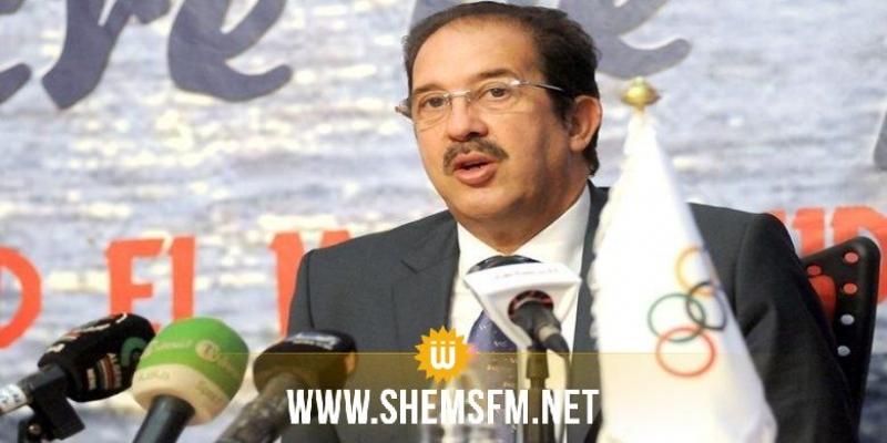 رئيس اللجنة الأولمبية الجزائرية يستقيل بعد وقوفه لتحية علم الكيان الصهيوني