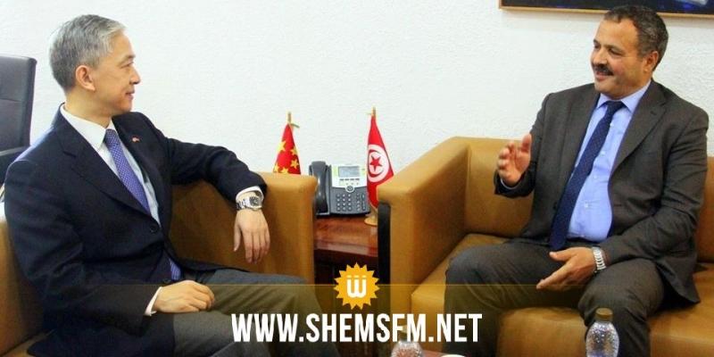 سفير الصين يؤكد إستعداد بلاده للوقوف إلى جانب تونس وتقديم الدعم المادي من تجهيزات ومستلزمات طبية