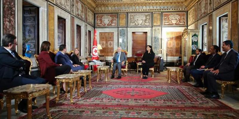 مشروع التفويض لرئيس الحكومة: اجتماع توافقات بين رؤساء الكتل ووفد حكومي في البرلمان