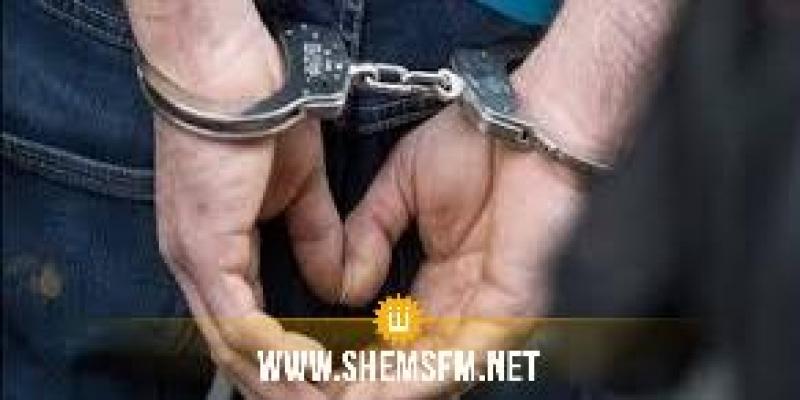 سليانة: القبض على أمني حاول استغلال حظر التجول لادخال 4 أشخاص أحدهم مفتش عنه
