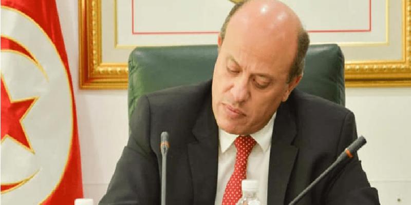 قال إنه لم يرتكب أي خطأ: وزير الصناعة يعتذر من التونسيين